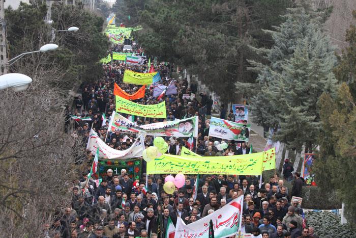 نمایش وحدت و اقتدار مردم پارس آبادمغان در حماسه ی ۲۲ بهمن